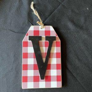 "Christmas monogram ""V"" wall decor"